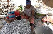 Carrière de Pissy : Des femmes sexagénaires à la recherche de leur pitance quotidienne