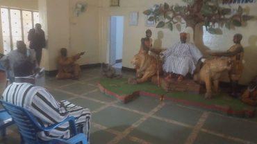Réconciliation nationale : Zéphirin Diabré chez le moogho Naaba pour des bénédictions